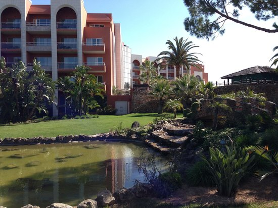 Falesia Hotel: The gardens