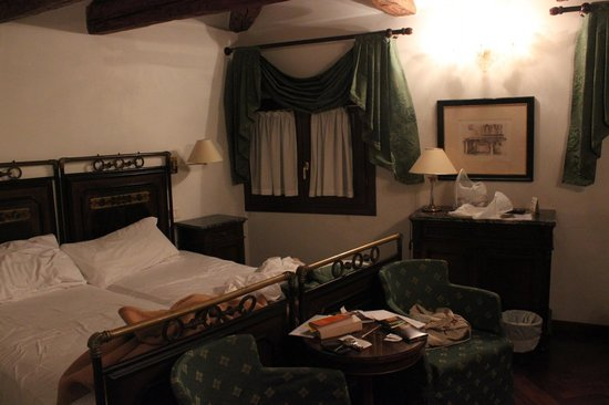 Hotel Casa Verardo - Residenza D'Epoca: Lovely room - much bigger than it looks here!