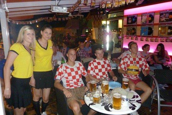Caffe & Cocktail Bar Marin : Football Night 6