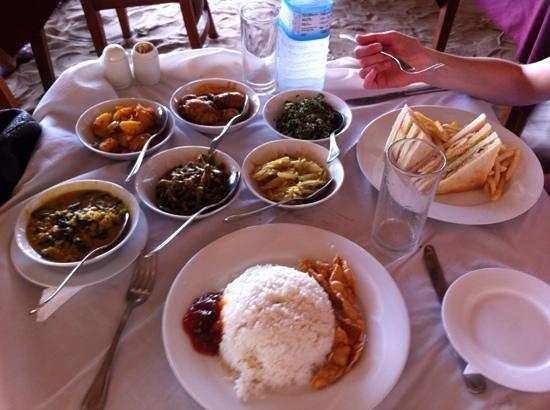 Paradise Beach Club: rice and curry au restaurant de l'hotel