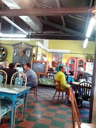 Sweet Tea and Biscuits Cafe: Dining guest from around the world