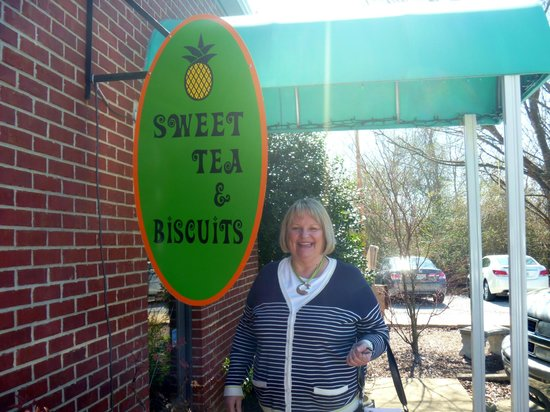 Sweet Tea and Biscuits Cafe: Look for the green awnings on the building, entrance in rear