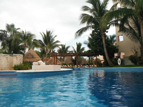 Excellence Riviera Cancun : pool in front of our room