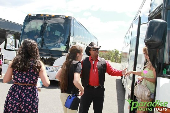 Paradise Found Tours : South Rim bus tours from Las Vegas take you right to the center of the National Park.