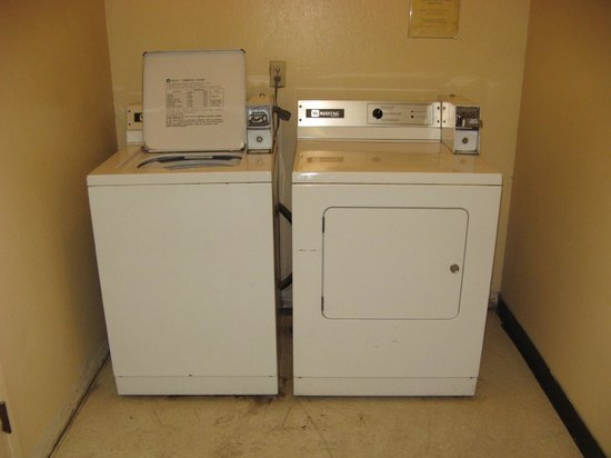 Keefer's Inn: Laundry room