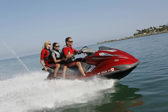 Bass Lake Water Sports Boat Rentals : Jet Skiiing on Bass Lake? Come on Down!