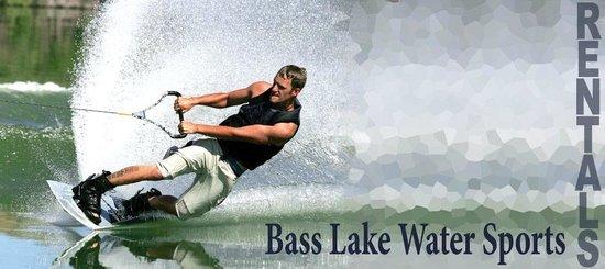 Bass Lake Water Sports Boat Rentals : Water Skiing on Bass Lake California