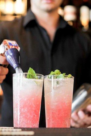 Canoe Brewpub: Cocktails