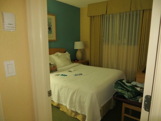 Residence Inn by Marriott Miami Coconut Grove: 1. Schlafzimmer