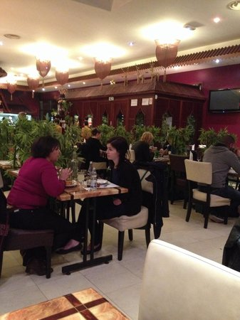 the 10 best restaurants near marques avenue a13 aubergenville. Black Bedroom Furniture Sets. Home Design Ideas