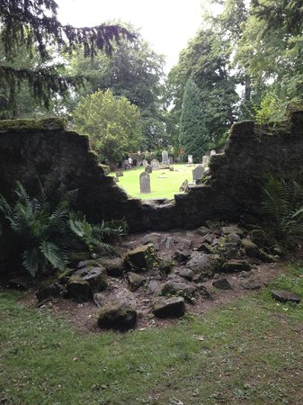 Scone Palace : a view into an old cemetary