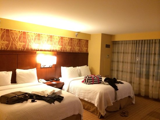 Courtyard Los Angeles LAX/Century Boulevard: double beds