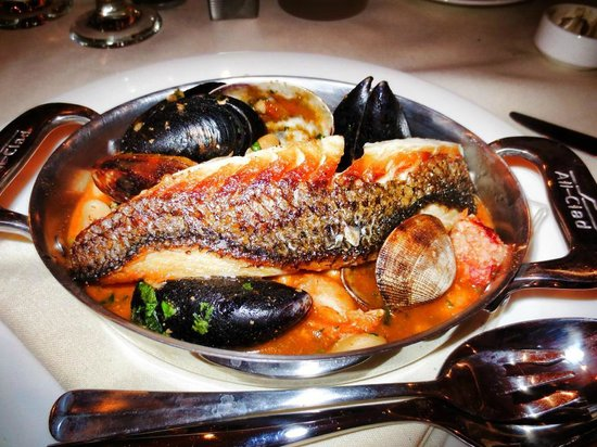 Aspen Meadows Resort: seafood cassoulet is soooo good at plato's restaurant