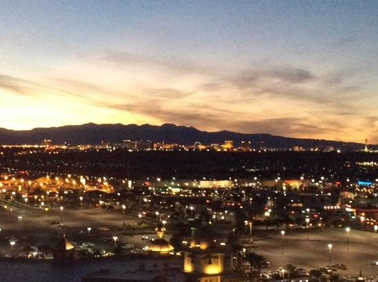 Sunset Station Hotel and Casino : Room view.