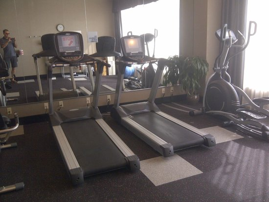 Holiday Inn Express Los Angeles-LAX Airport: Exercise room