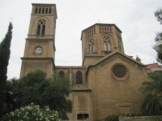 Parroquia de la Inmaculada Concepcion - Sant Magi: Vista exterior.