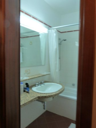 Astoria Palace Hotel : Bathroom