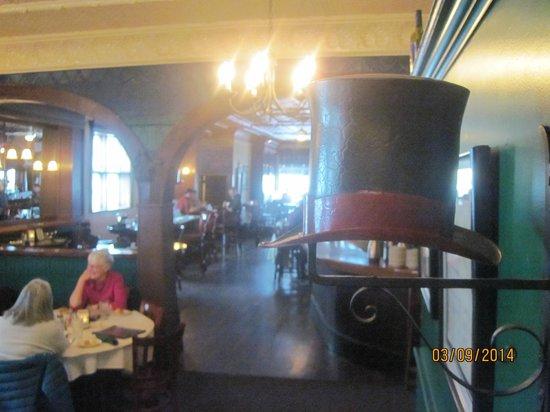 City Park Grill: interesting decor