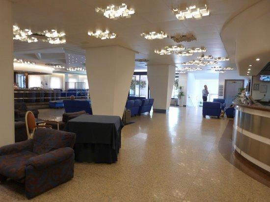 Astoria Palace Hotel: Lobby