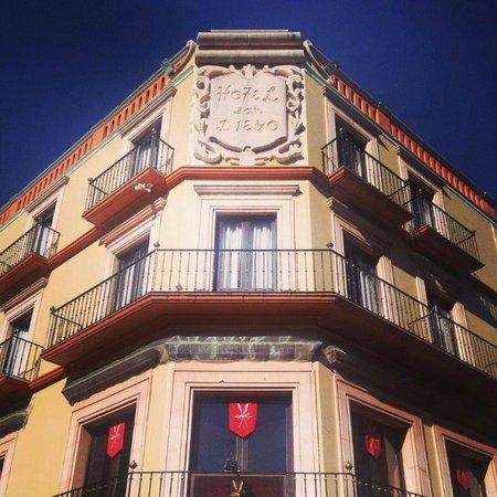 Hotel San Diego: FACHADA PRINCIPAL