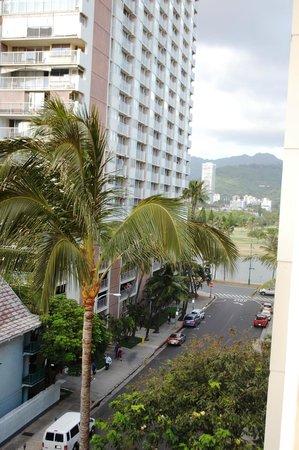 Pearl Hotel Waikiki: vista de la habitacion