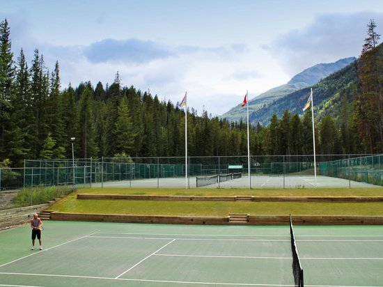 Panorama Vacation Retreat at Horsethief Lodge: Tennis Courts