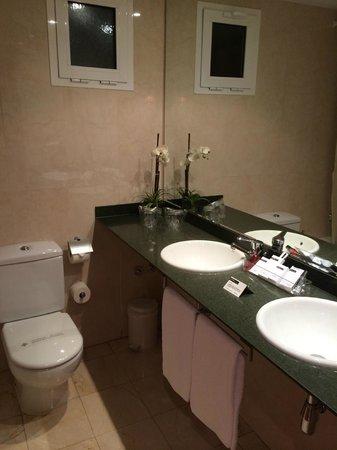 Hotel Sorolla Centro: Bathroom