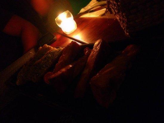 Casa Banana : Be careful of the Cheese Bread. OMG!!! YUM!