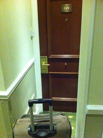 De Vere Selsdon Estate : don't bring large suitcases!