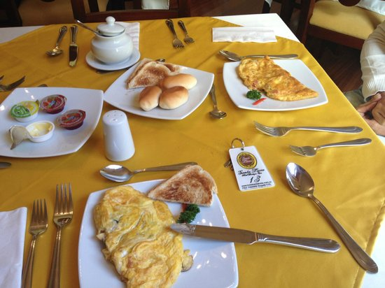 Santa Lucia Hotel Boutique Spa : El desayuno.