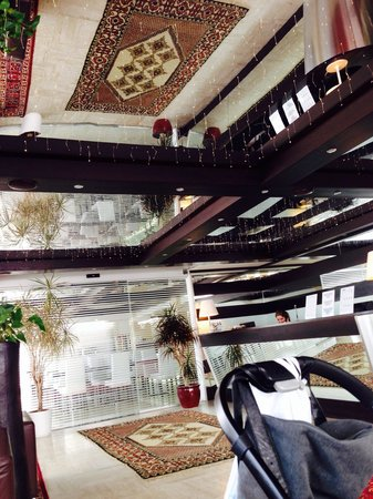 Hotel Petit Palais: Reception