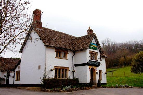 The White Horse Inn: Exterior of Inn