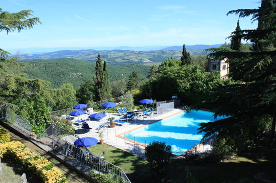 Villa Sant'Uberto Country Inn : Swimming pool area