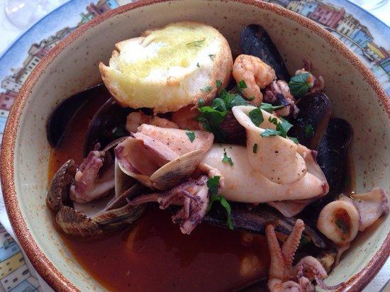 Al Gatto Nero Da Ruggero : Seafood Soup