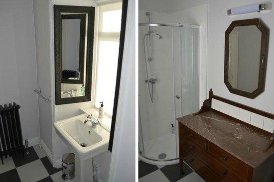 Gattaway B&B: First Floor West bathroom
