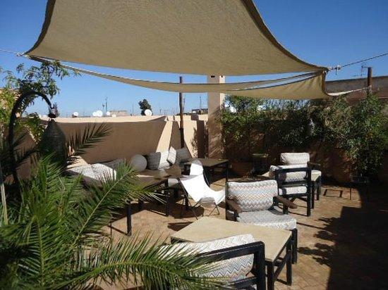 Riad Al Massarah: Nice roof garden.