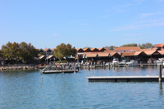 Sorrento Quay Boardwalk: HILLARYS AT SORRENTO PERTH