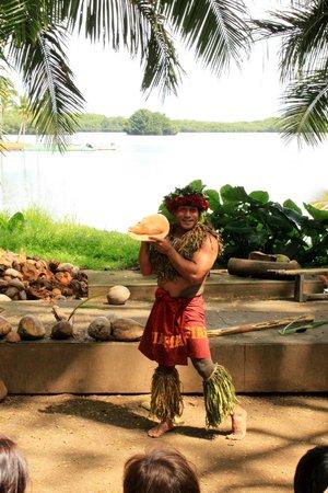 Tropical Farms Macadamia Nut Farm and Farm Tour: Posing with his shell