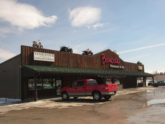 Boondocks Restaurant and Bar: Front