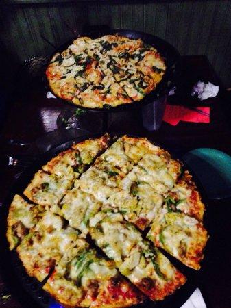 Silver Beach Pizza: Medium!