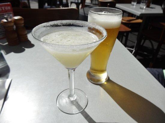 drinks @ gastons