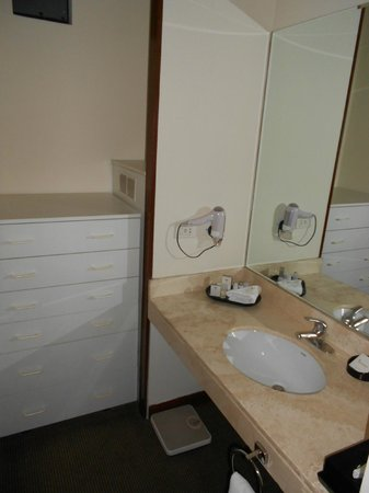 Thunderbird Hotels Fiesta Hotel & Casino: SINK AREA