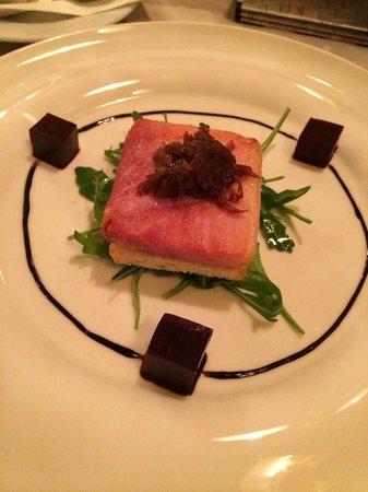 Hotel Pod Vezi : Appetizer in the hotel restaurant (ham/bread)