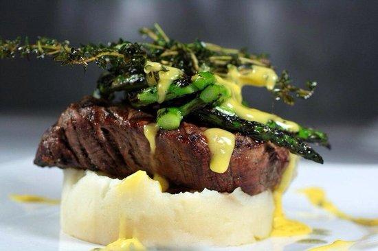 Cafe Americano: Beef tenderloin!