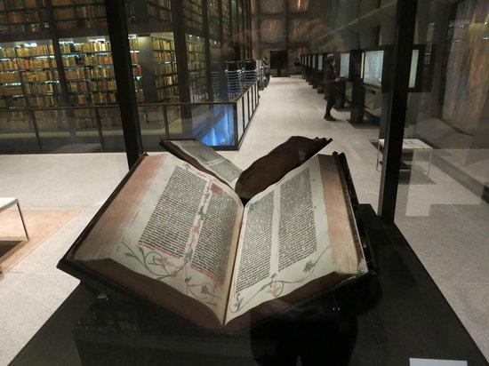 Beinecke Rare Book & Manuscript Library: グーテンベルク聖書