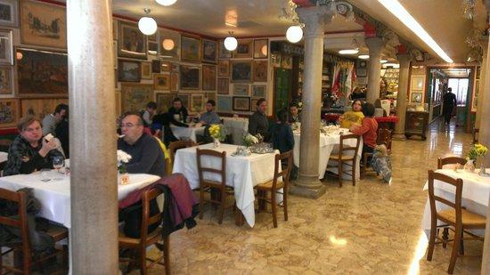 Trattoria da Romano: Inside seating