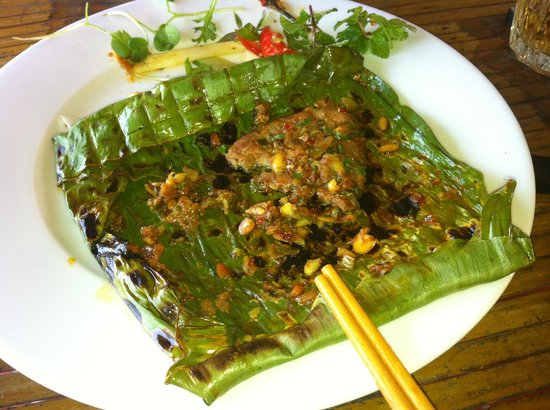 Baby Mustard Restaurant : The spiced beef in banana leaf