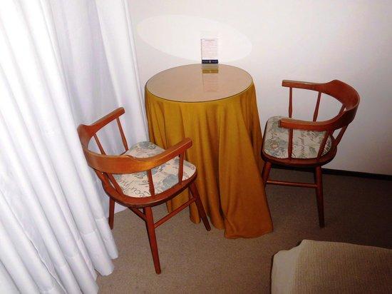 Villa Mora Hotel: Habitación 302- Mesa Lectura