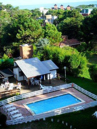 Villa Mora Hotel: Vista desde Habitación - Piscina,Quincho y Parque