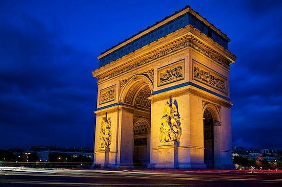 Better Travel Photos: Arc de Triomphe at night